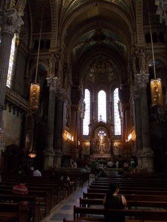 Basilique Notre Dame de Fourviere: inside view