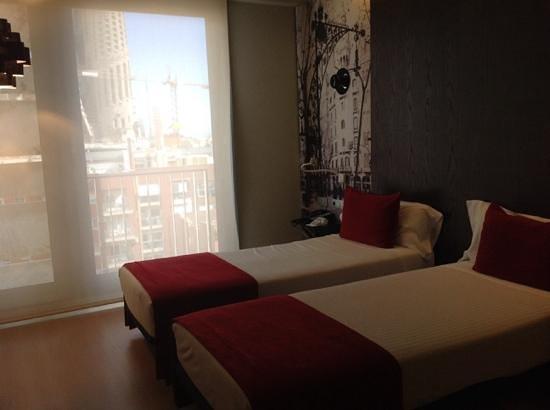 Ayre Hotel Rosellon: 部屋からもサグラダファミリア