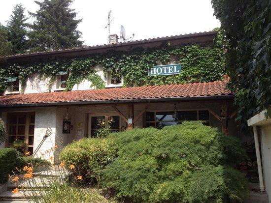 Le Petit Casset : Hotel Eingang