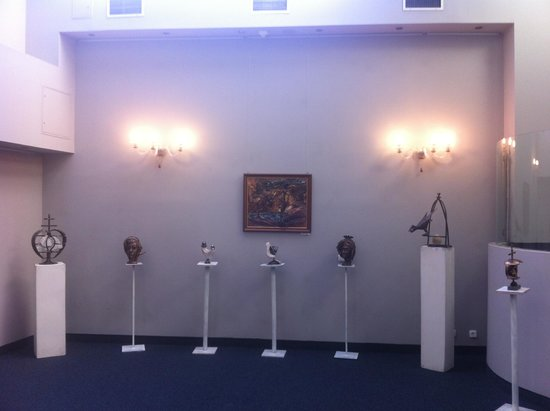 Hotel Museum Budapest: small gallery in the hotel