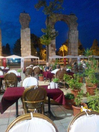 Wallabies Aquaduct Restaurant: Havenly Garden