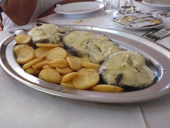 H2 Oviedo: merluza en salsa con patatas