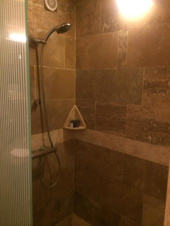 Taskonaklar Boutique Hotel: Great shower!