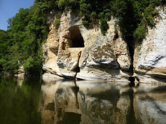 Canoës Loisirs : Limestone cliffs