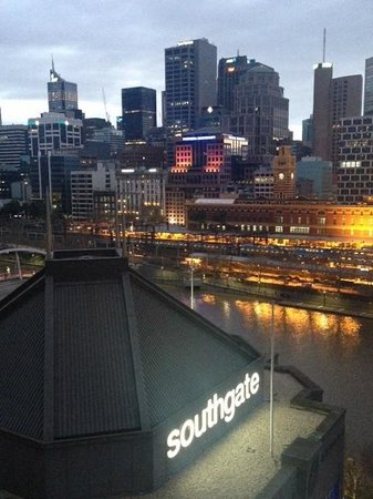Quay West Suites Melbourne: City view