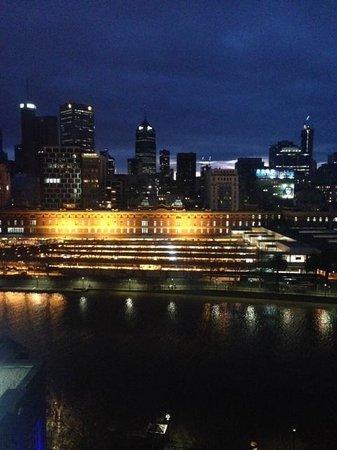 Quay West Suites Melbourne: City view