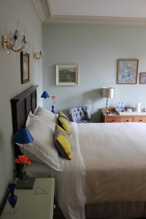 Glenardoch House: The Blue Room