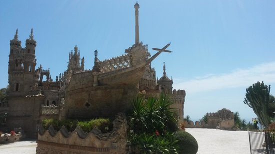 Castillo de Colomares: Front view