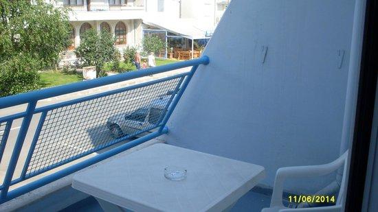Luca Helios Beach : Balkon