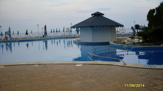 Suneoclub Helios Beach: Basen & pool bar