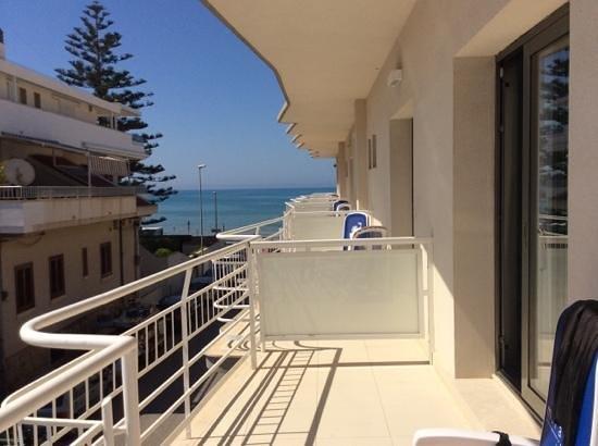 Hotel Miramare: июнь 2014 вид с балкона