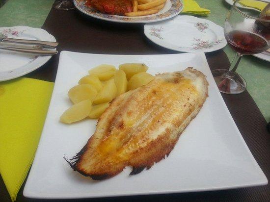 Restaurant Bon Lloc: Камбала по-испански