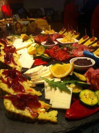 Cafe Gusto: Mezze plates