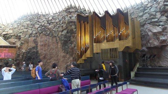 Iglesia de Piedra: Órgano