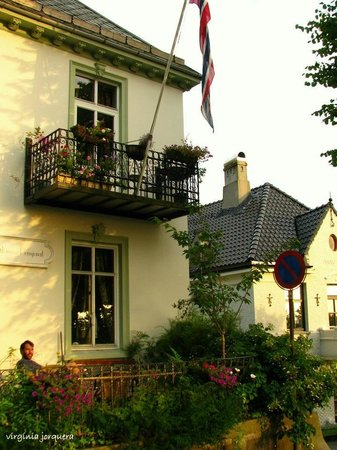 Skansen Pensjonat : un resfresco en la terraza