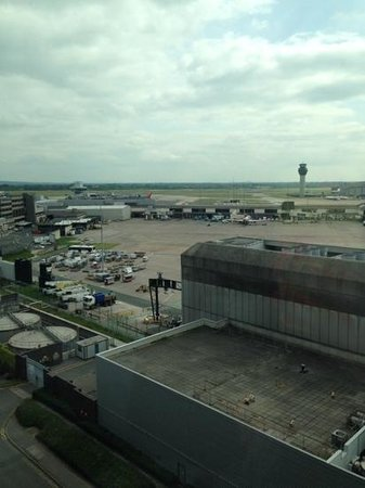 Radisson Blu Hotel, Manchester Airport: View from the Junior Suite Lounge
