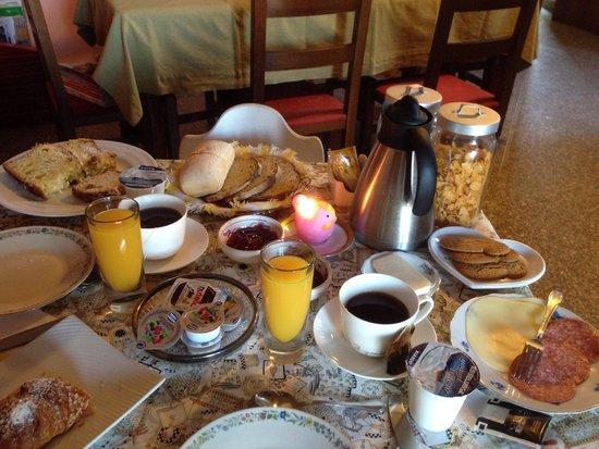 Il Giardino Botanico Bed and Breakfast: Super colazioneeeeee yeahhhh!!!