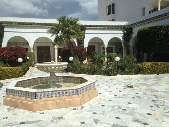 El Mouradi Palm Marina : Fontaine entrée