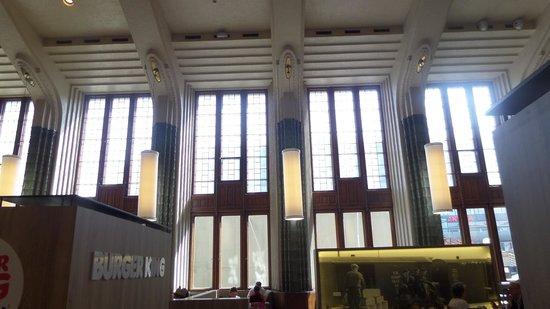 La Estación de Ferrocarril (Rautatieasema): Interior