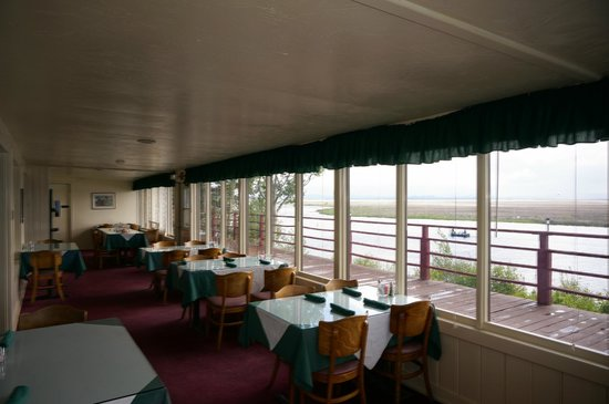 Rocky Point Resort: restaurant view across lake