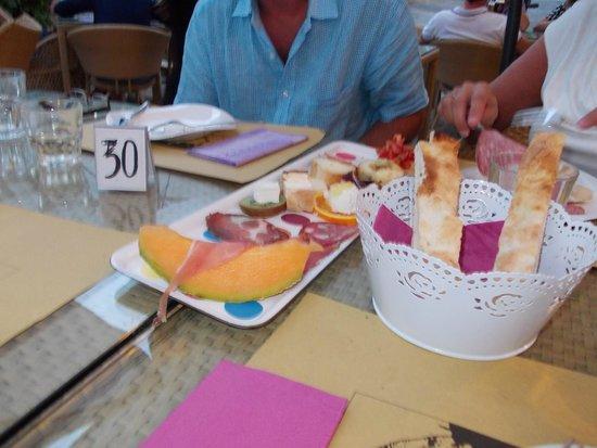 Rigomagno, Itália: A sample of the great antipasta