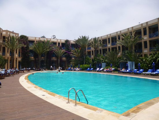 Le Médina Essaouira Hôtel Thalassa Sea & Spa - MGallery Collection : La piscine de l'hôtel