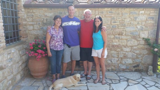 Cavarchino B&B: With Andrea, Patrizia and their dog Penny