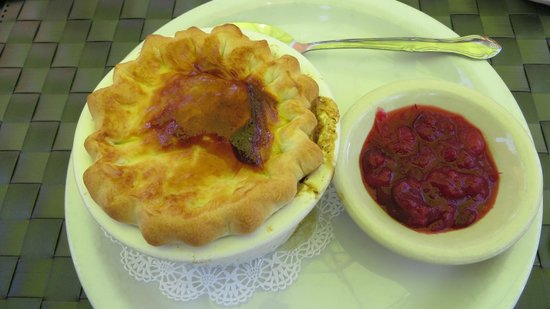 Heather's Savory Pies and Tapas Bar: chicken pot pie and cranberry - really delicious