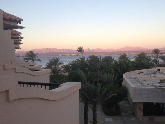 Pyramisa Sahl Hasheesh Resort: вид из номера