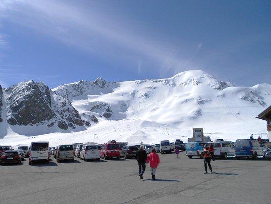 Kaunertaler Gletscher: Vue environnante de la montagne locale.
