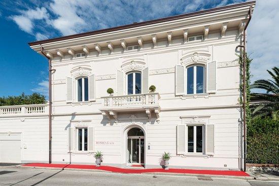 Rosso di Sera Relais Tuscany: Facciata