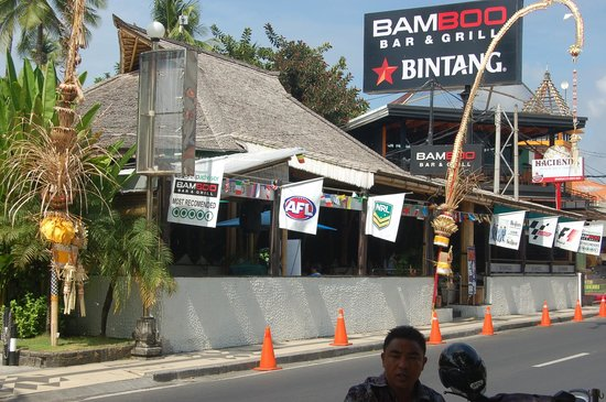 Bamboo Bar & Grill: the entrance during the day time