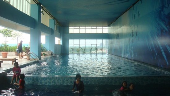 Grand Borneo Hotel: swimming pool
