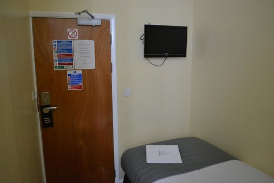 Lidos Hotel: Not very big room