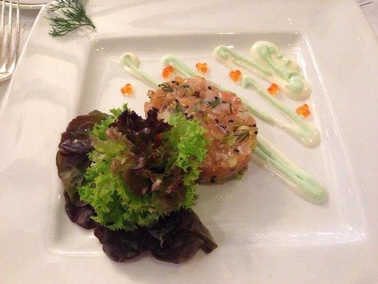Auf Schönburg Burghotel und Restaurant: Salmon tartar with wasabi cream