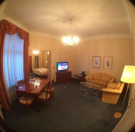 Le Meridien Grand Hotel Nürnberg: Room