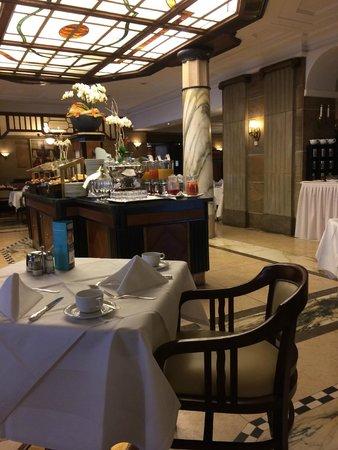 Le Meridien Grand Hotel Nürnberg: Breakfast