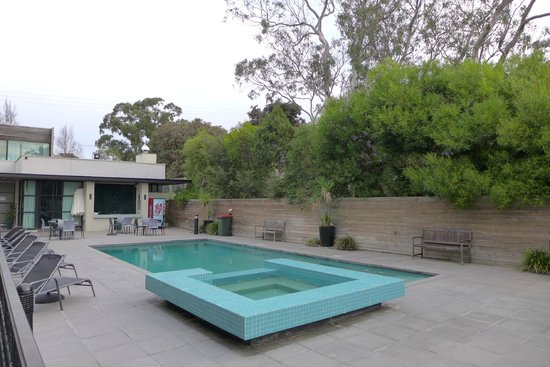 Phillip Island Apartments: Pool