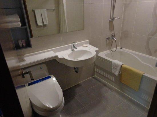 Hotel J Hill : bathroom