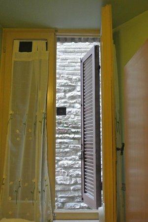 Grotta Antica Hotel : 窓
