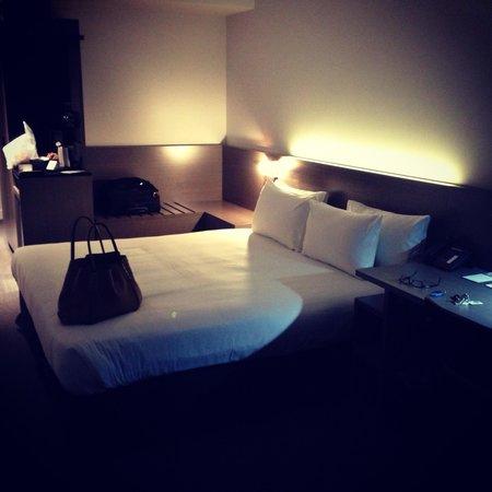 Alpha Mosaic Hotel Brisbane: Interior of room #206