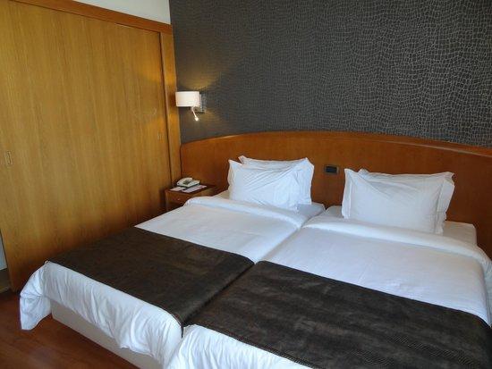 HF Fenix Lisboa: The twin beds