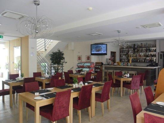 St. Nicolas Elegant Residence: Restaurant