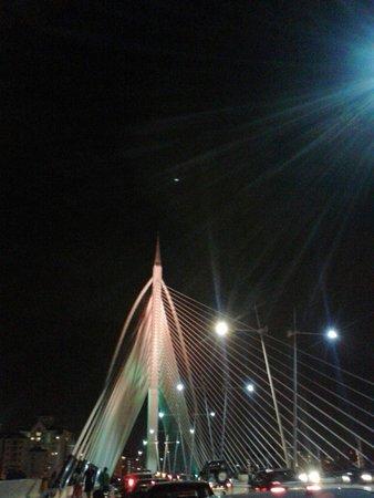 Le pont de Putrajaya : Putrajaya Bridge at Night