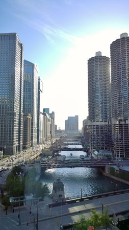 Wyndham Grand Chicago Riverfront: View from 16th floor room
