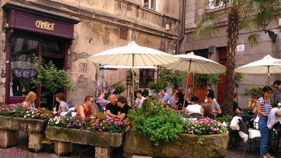 Cafe Camelot : Camelot restaurant exterior view