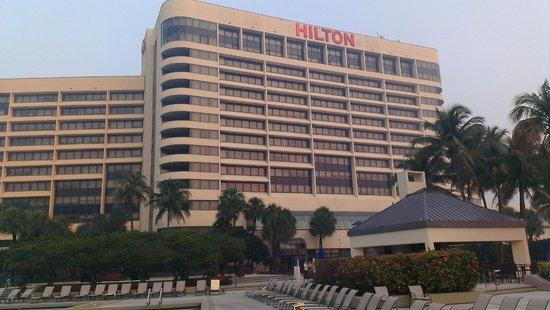 Hilton Miami Airport : Außenanlage zum Relaxen