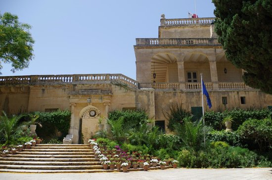 San Anton Gardens: il palazzo presidenziale da San Anton Garden