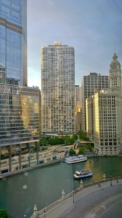 Wyndham Grand Chicago Riverfront: View from 16th floor
