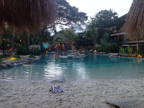 Bali Mandira Beach Resort & Spa: Pool beach area